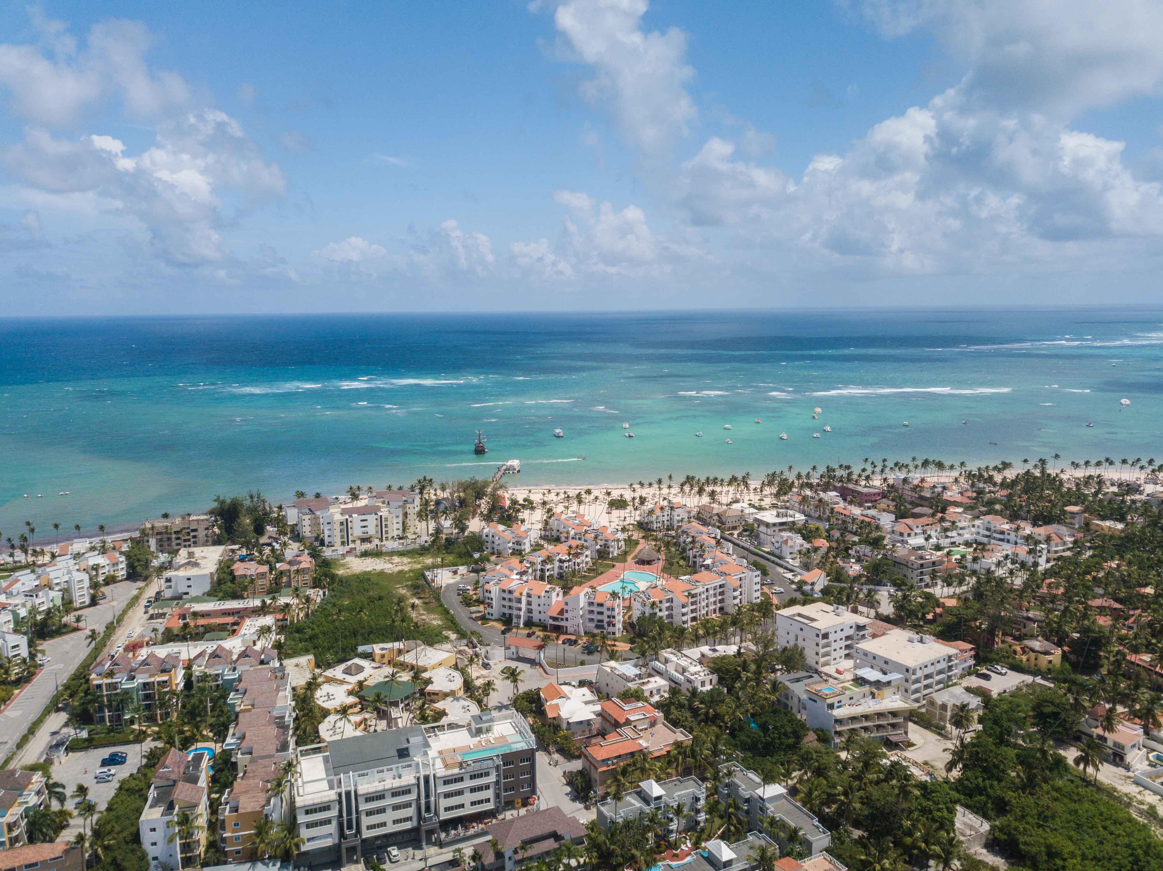 Los Corales neighborhood (1)