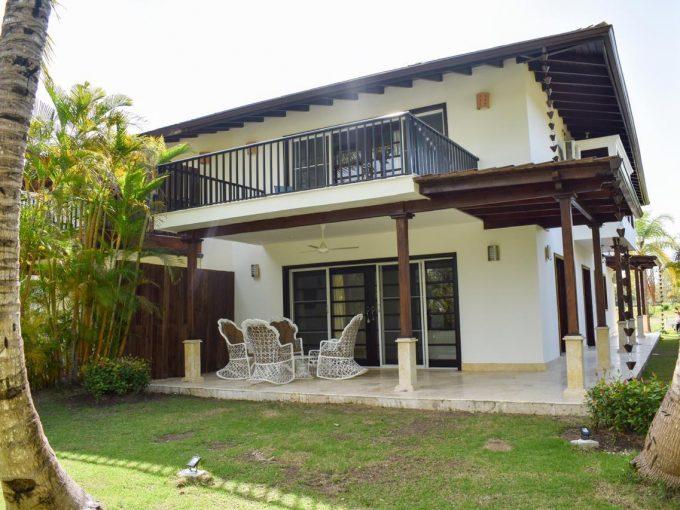 Ambar Villa in Cocotal